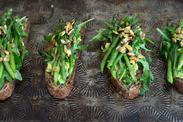 Avocado Asparagus Tartine Recipe