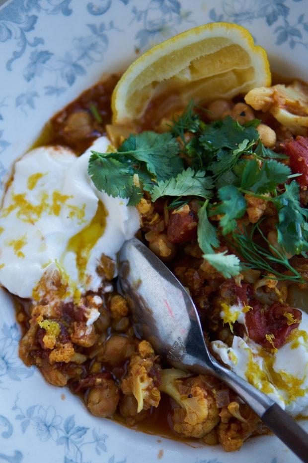 Instant Pot Chickpea Cauliflower Korma