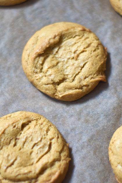 Saffron Vanilla Snickerdoodle Cookies