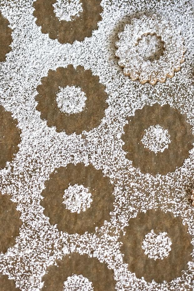 Swedish Rye Cookies and Powdered Sugar